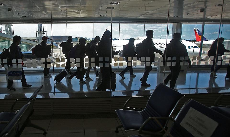 Pinoy seafarers come home
