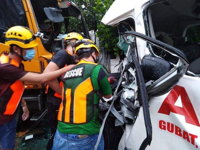 4 killed in Quezon truck-ambulance smashup —local authorities