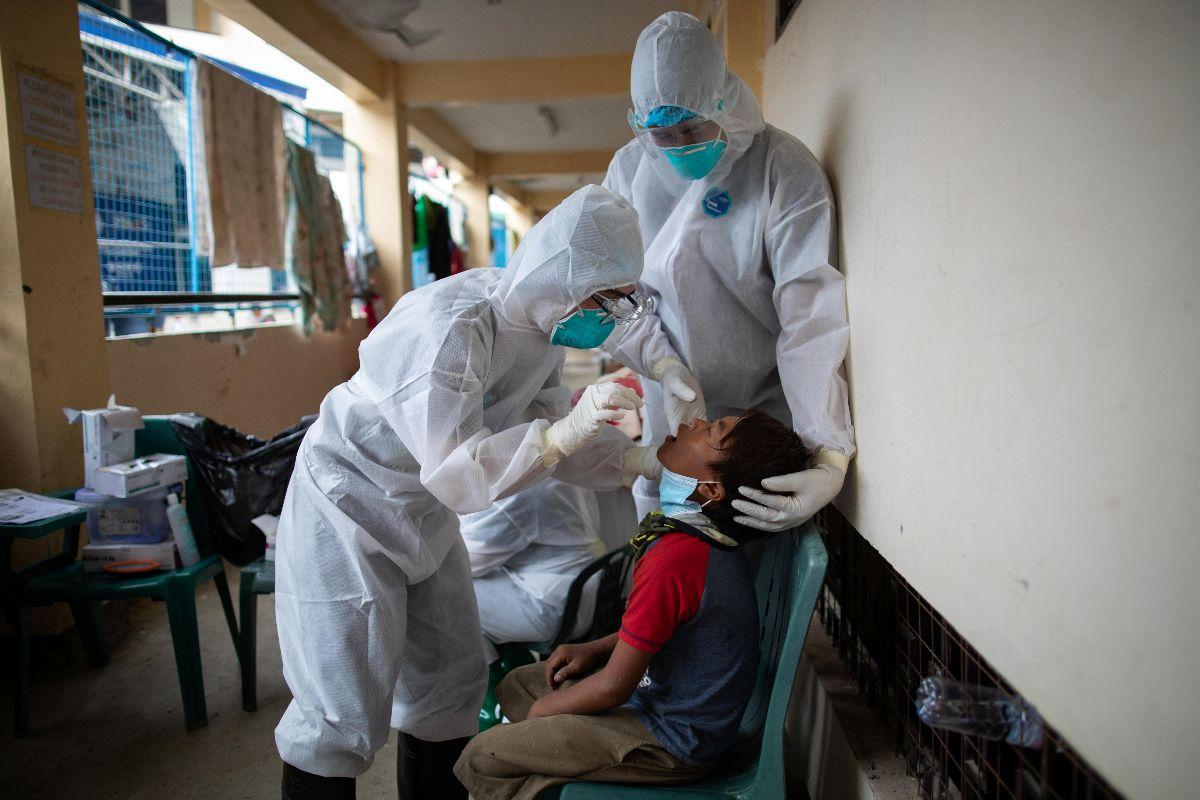 8,562 new COVID-19 cases push Philippines active tally over 61k