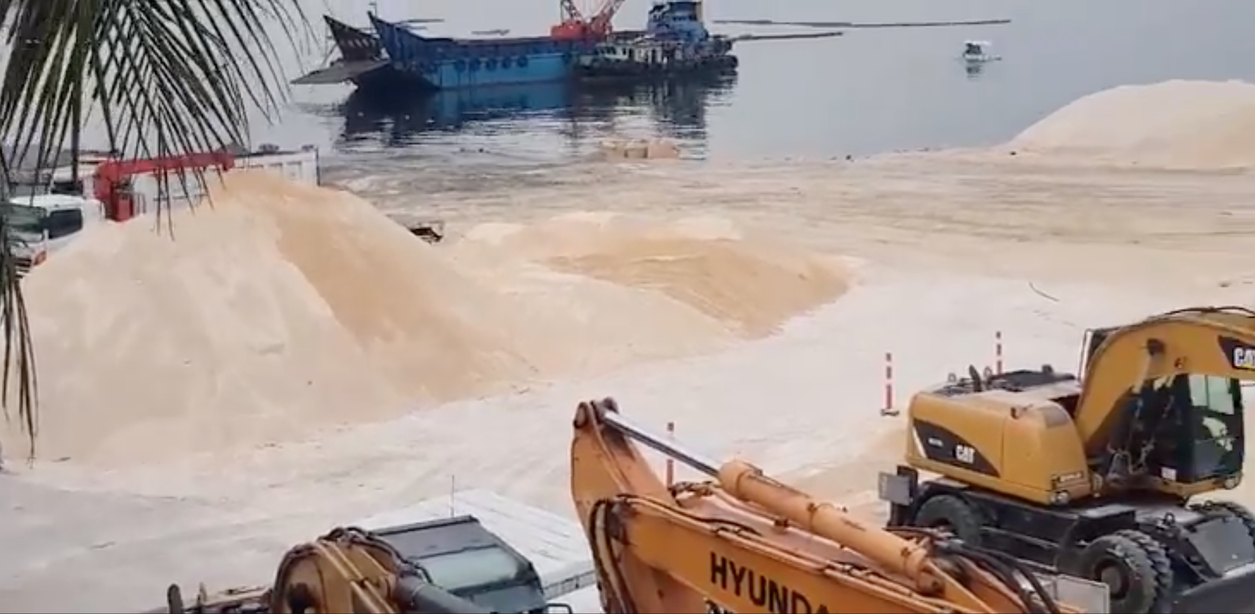 New coat of dolomite sand poured over a portion of Manila Bay - GMA News